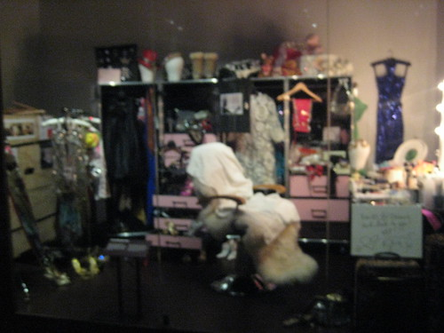 I know you've always wanted to know what Kylie Minogue's dressing room looked like