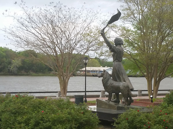 Waving girl statue. The original Walmart greeter.
