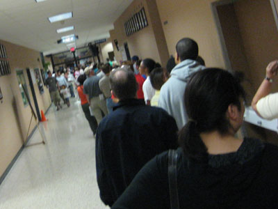 Early voting line